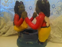 Artwork picture : Lavina Fontaine, couple candle holder